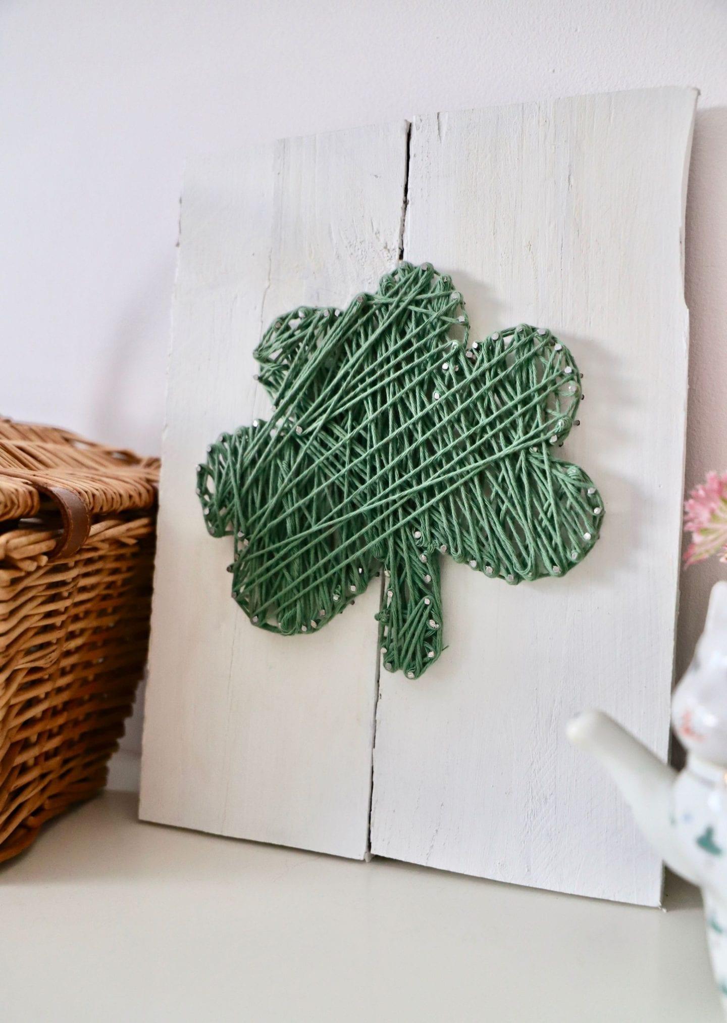 St Patrick's Day DIY, String Art Shamrock