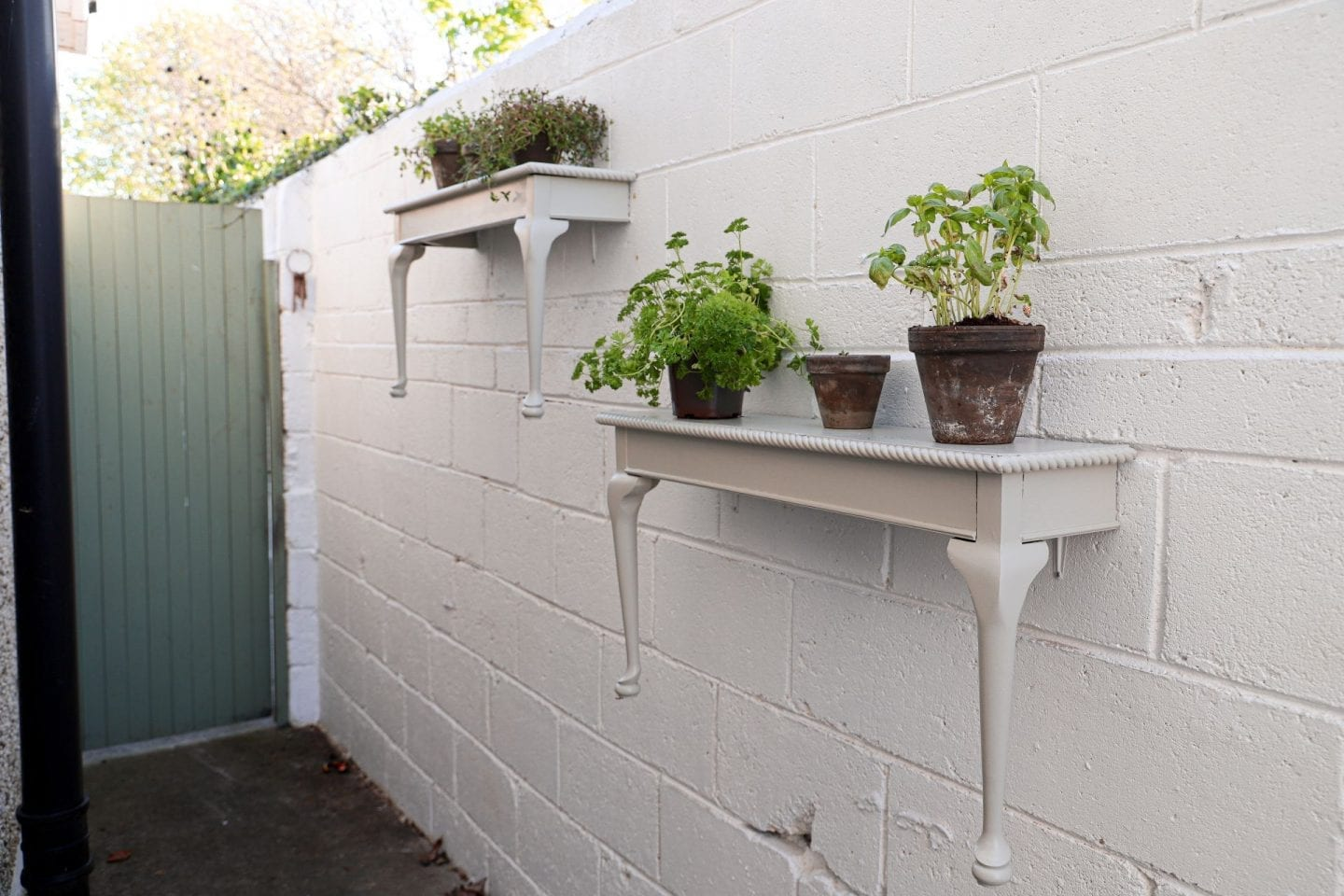 How to turn a table into quirky shelves for the garden