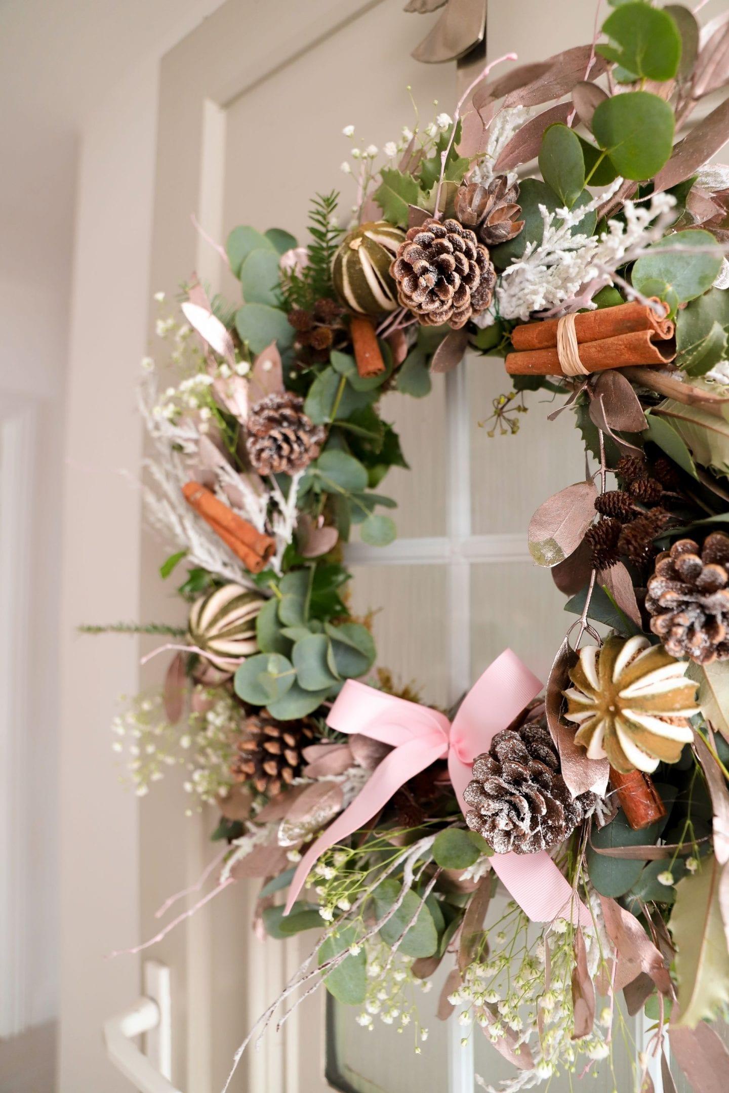How to make a DIY Christmas Wreath